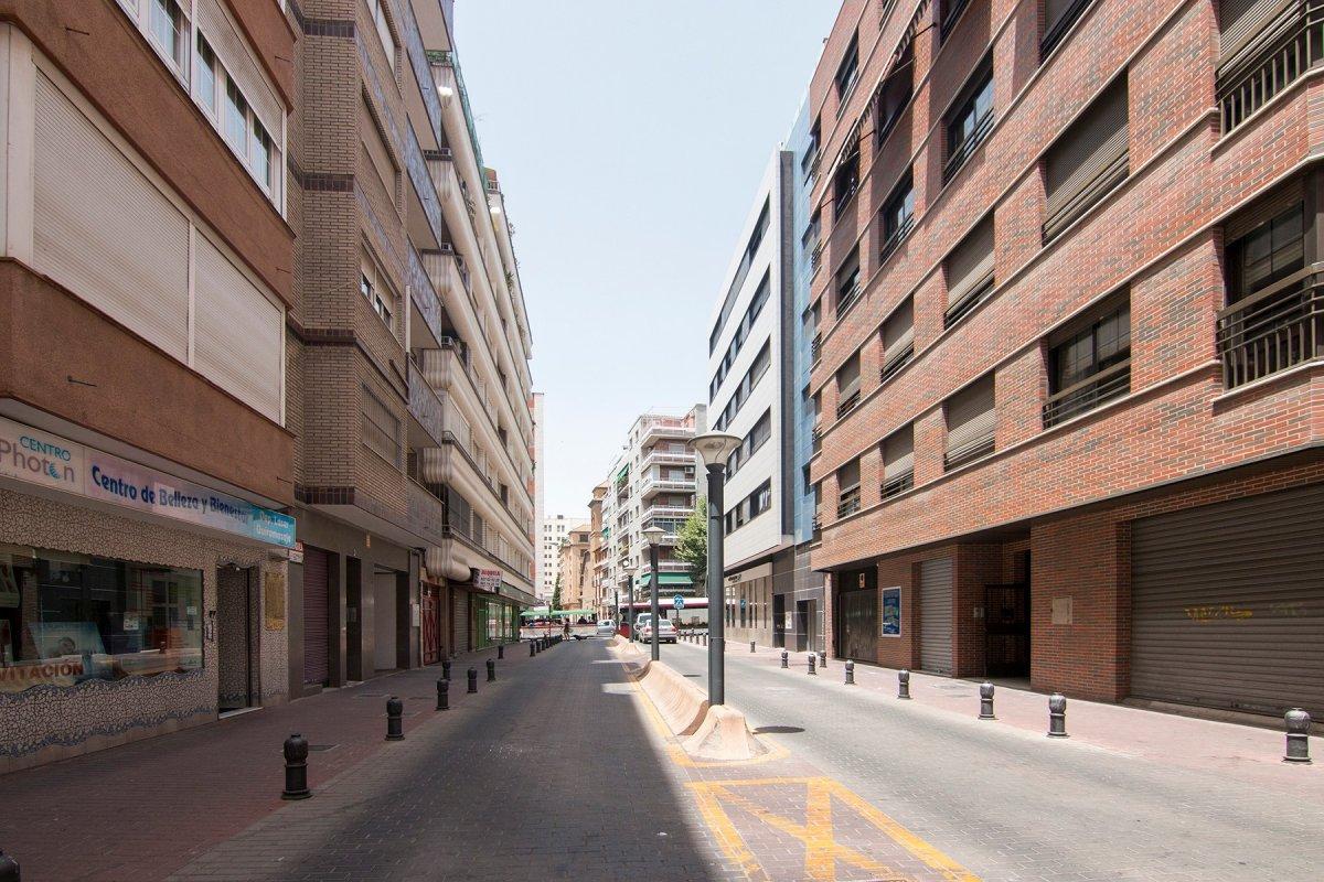 Local Comercial Plaza San Lazaro - Granada, Granada