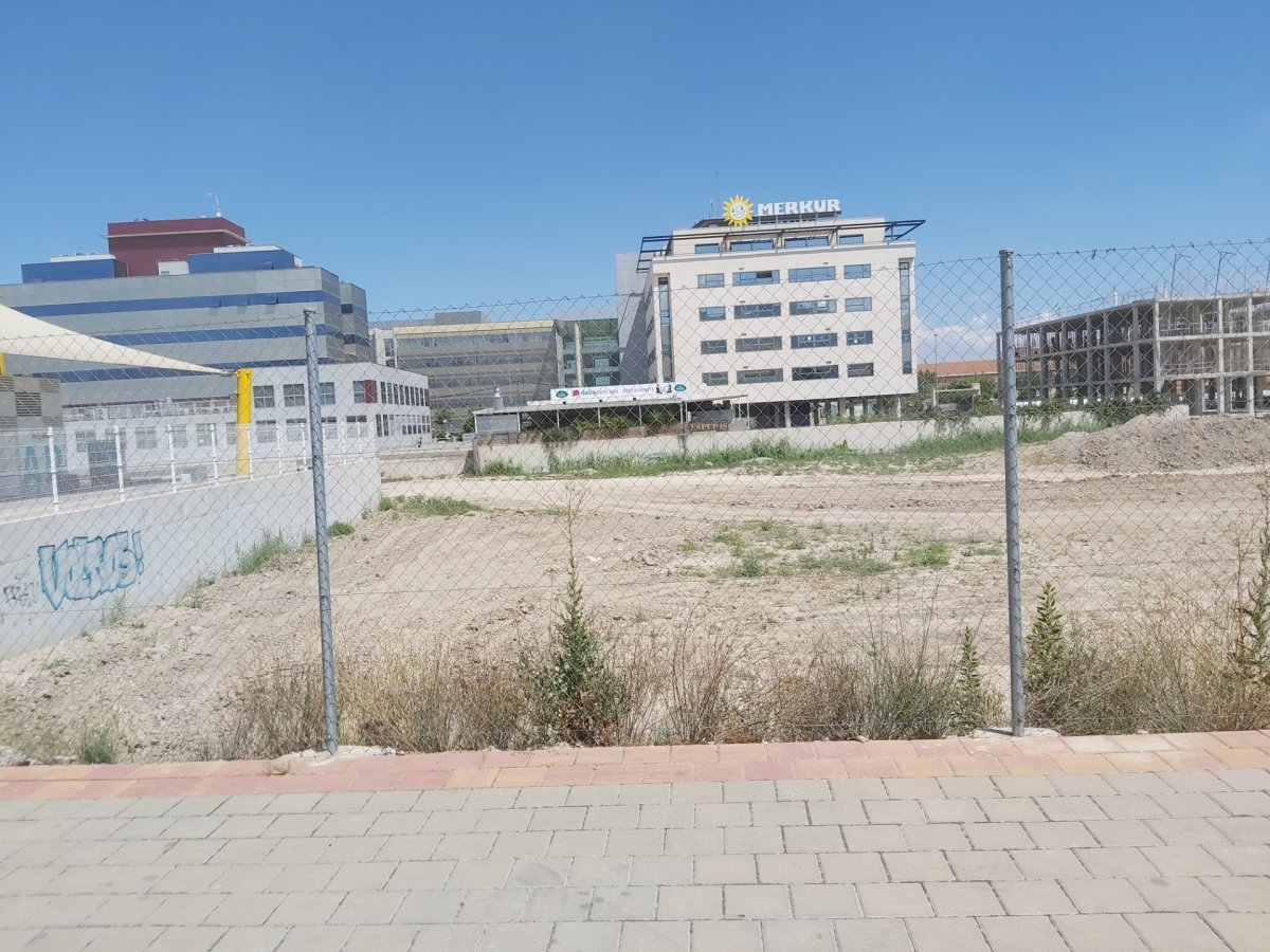 Terrenos urbanos - 30-77-00015