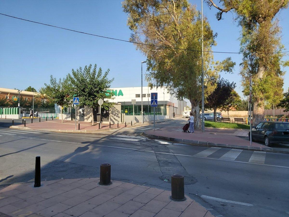 Terrenos urbanos - 30-77-00019