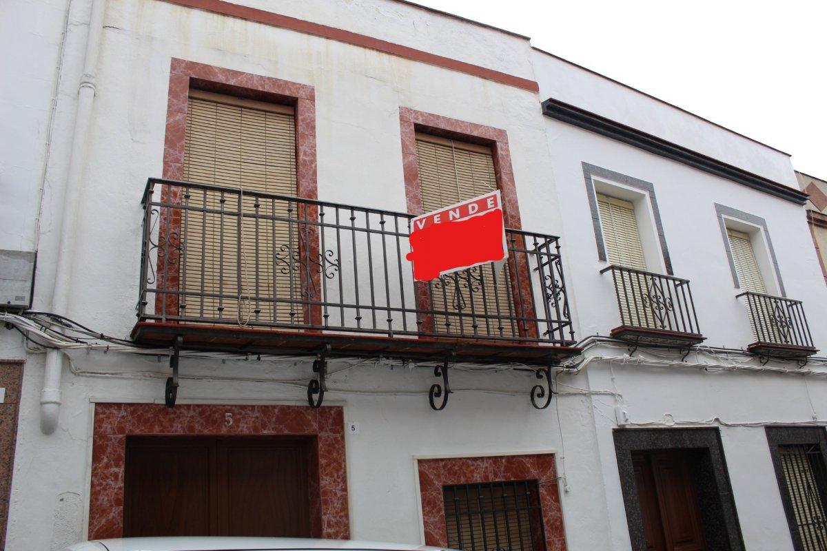casa en aguilar-de-la-frontera · centro 55000€