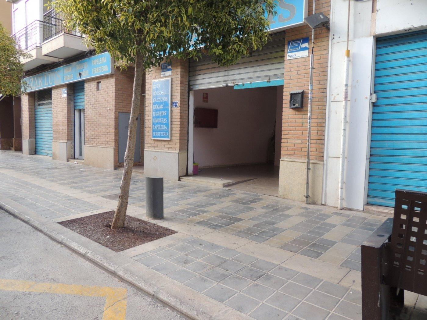 Soy un gran local comercial en Moncada