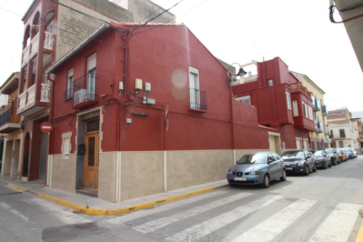 Venta de Casa de Pueblo en Massamagrell