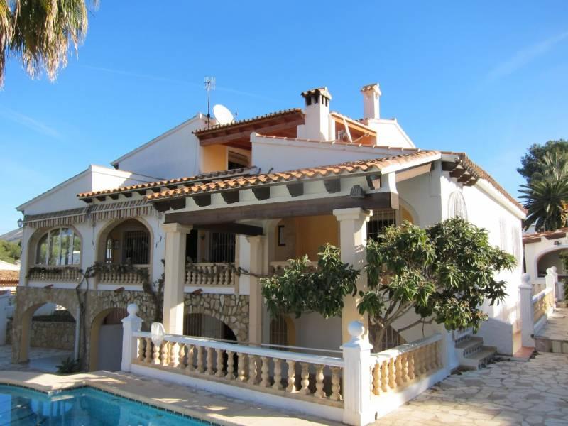 villa en moraira · pla-del-mar 750000€