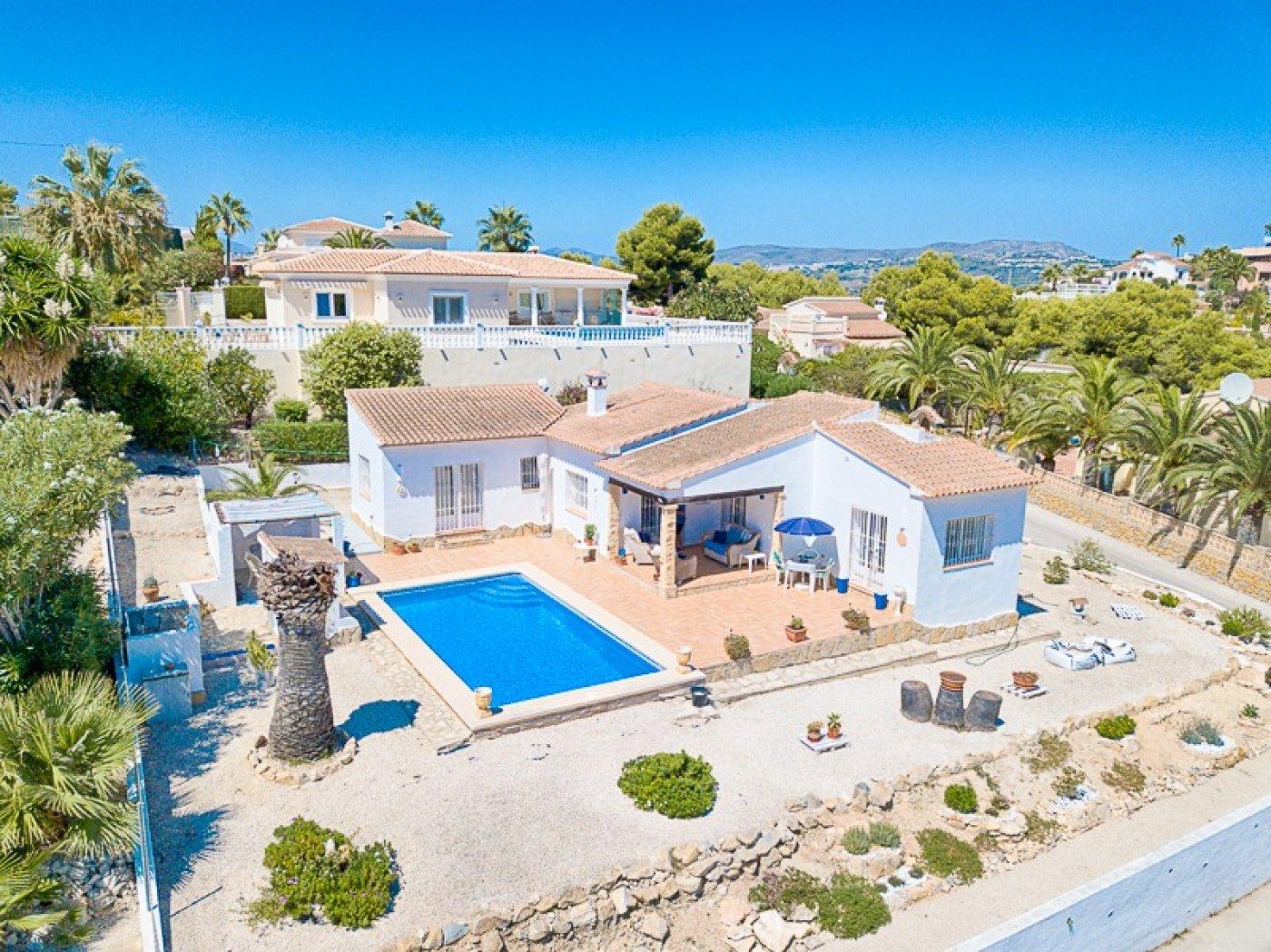 villa en moraira · arnella 425000€