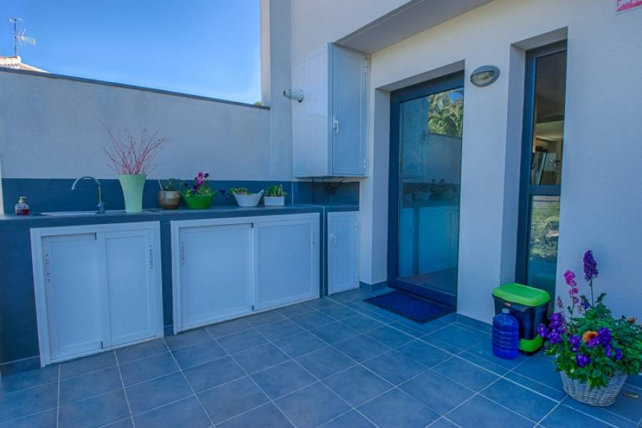 Townhouse - Ready To Move And Live - Albir - Albir