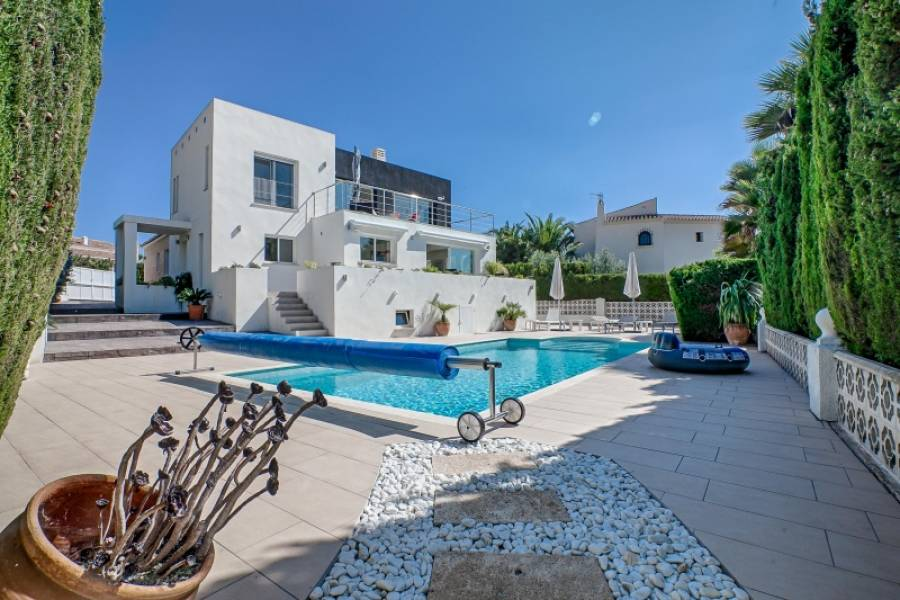 Villa - Ready To Move And Live - Pla Del Mar - Moraira