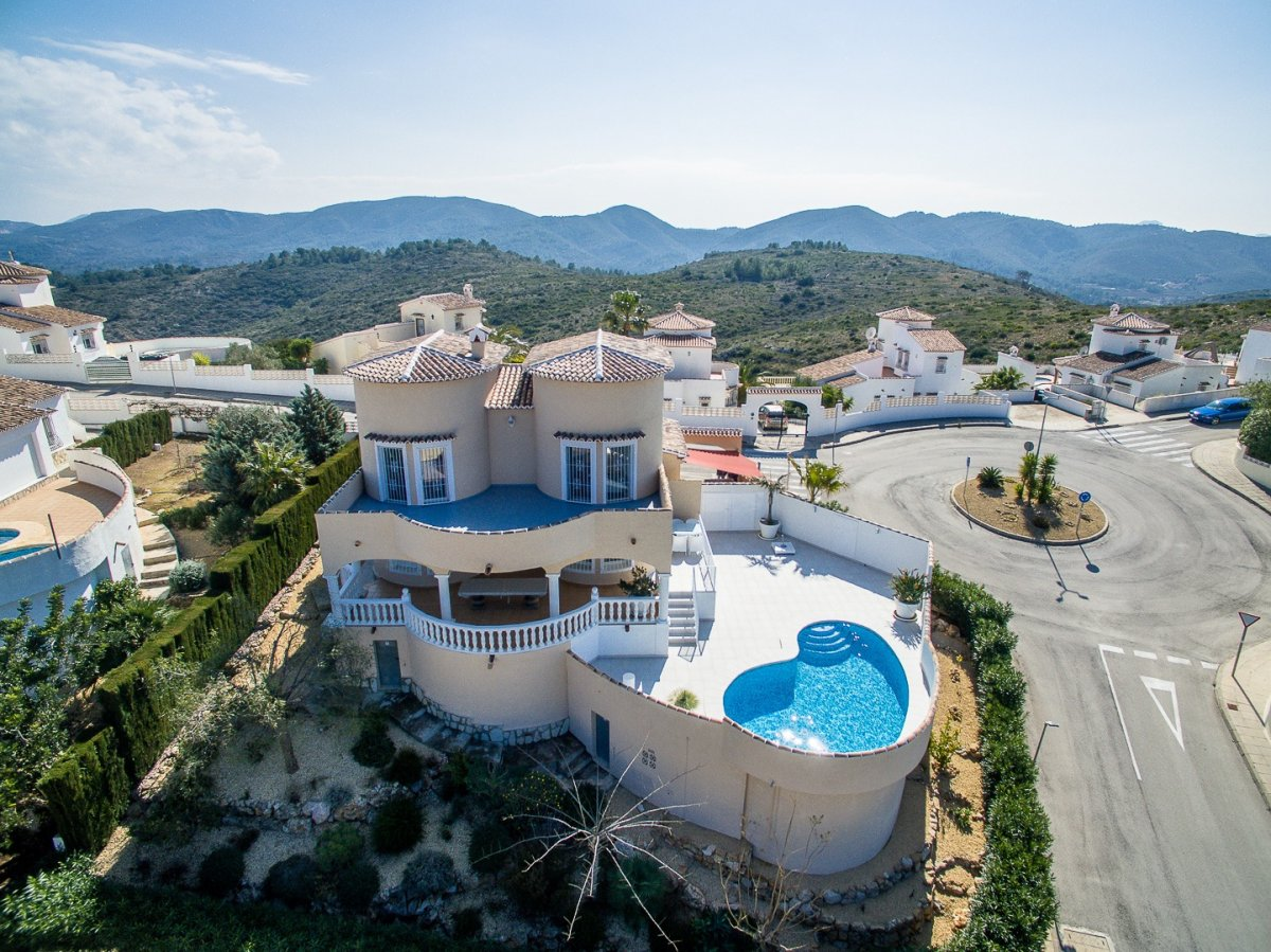 Villa - Ready To Move And Live - Monte Pedreguer - Pedreguer