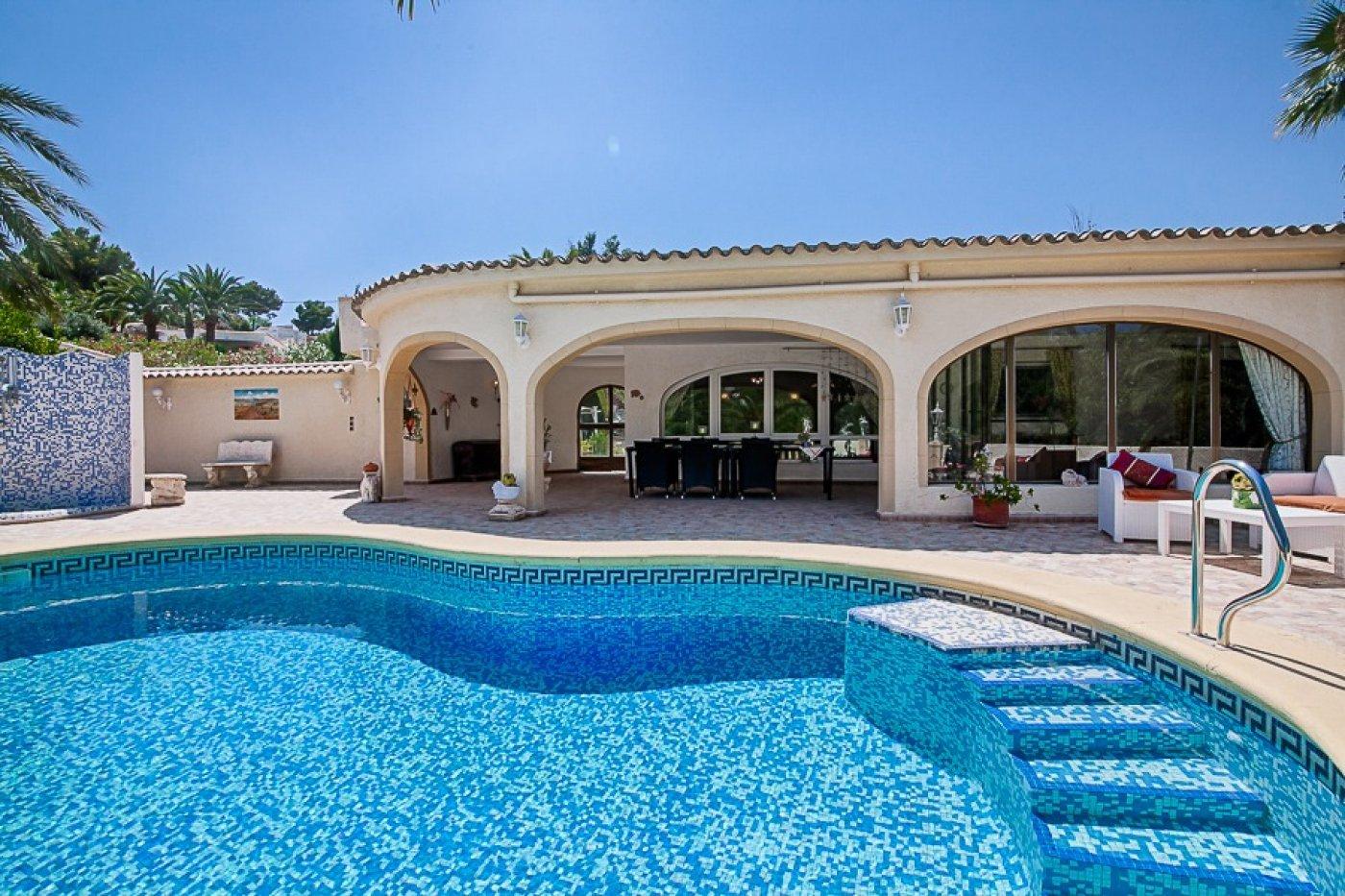 villa en moraira · sabatera 450000€