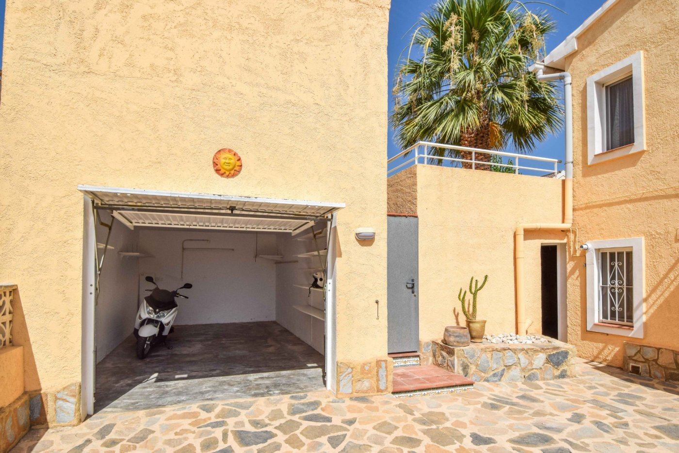 Villa - Ready To Move And Live - La Nucia - La Nucia