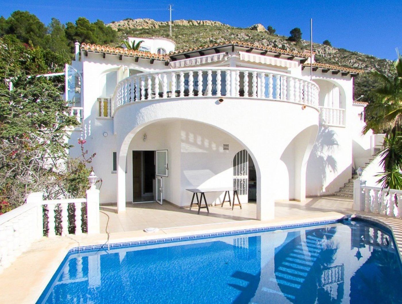 villa en moraira · el-portet 650000€
