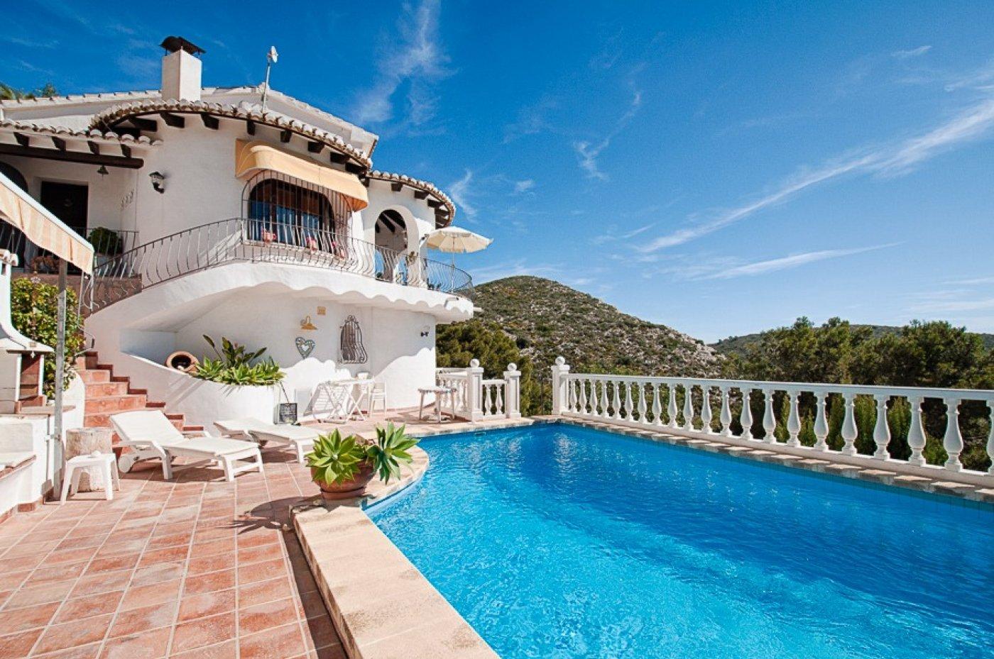 villa en moraira · el-portet 595000€
