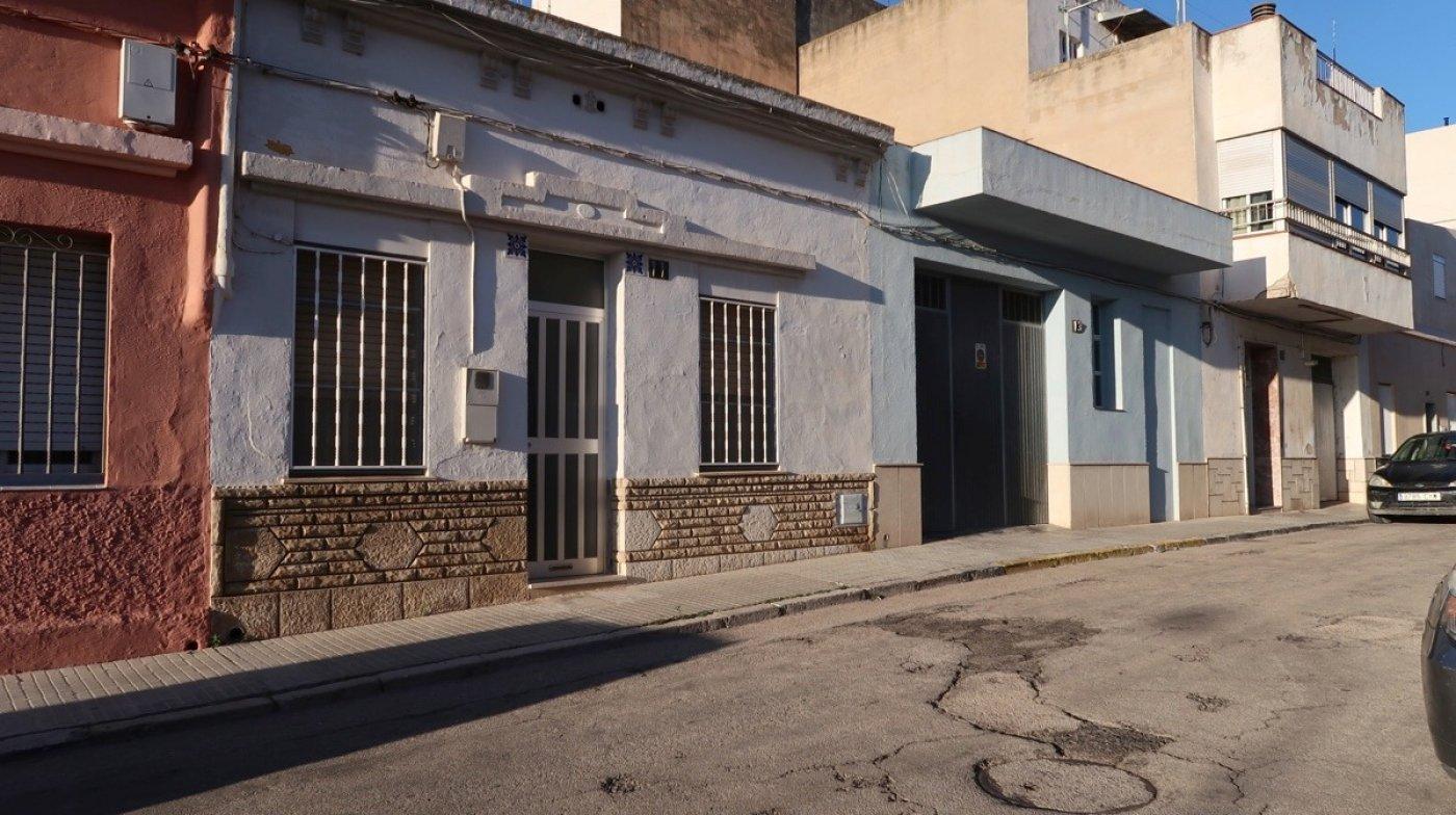 casa en amposta · av-aragonesa 105000€