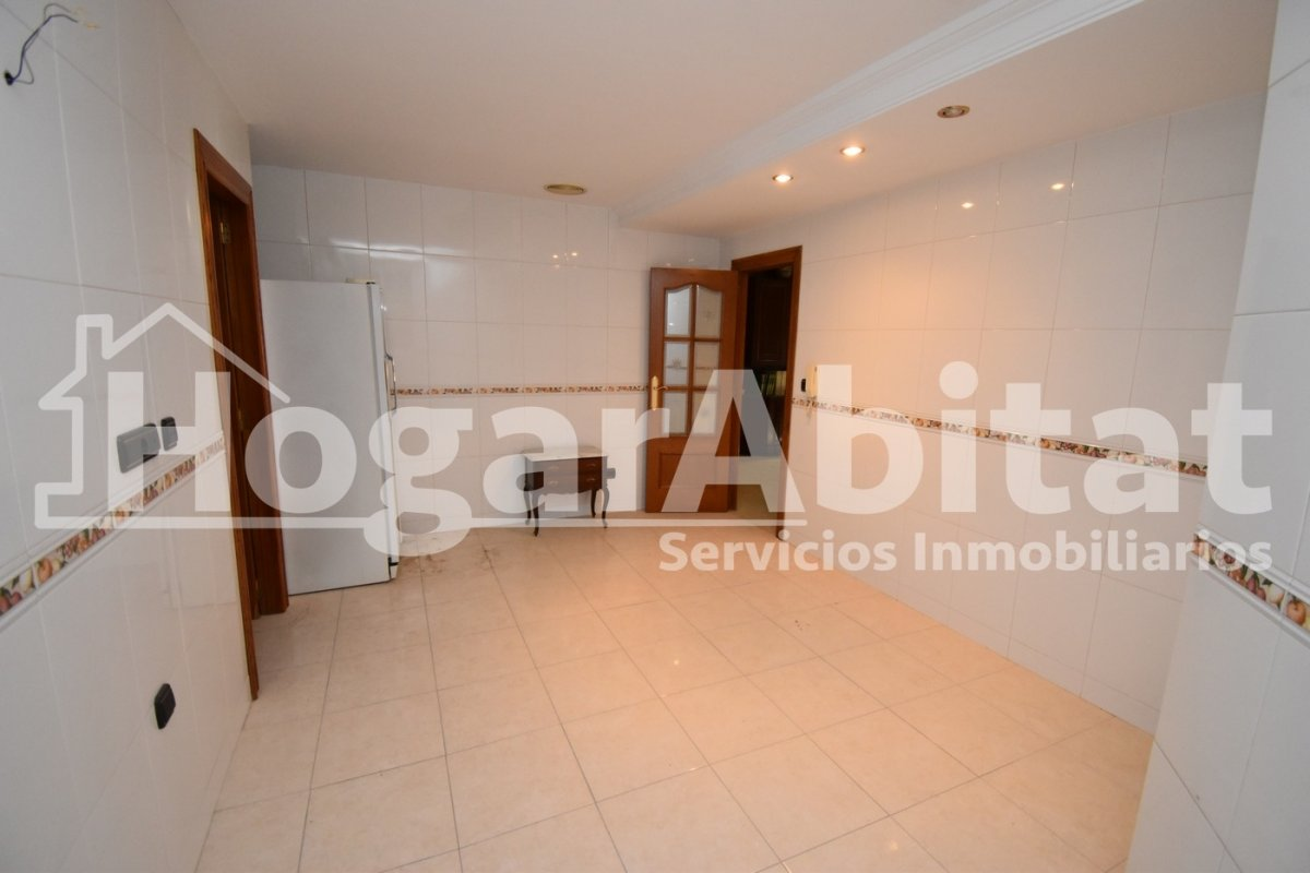 Flat for sale in Salesianos, Burriana