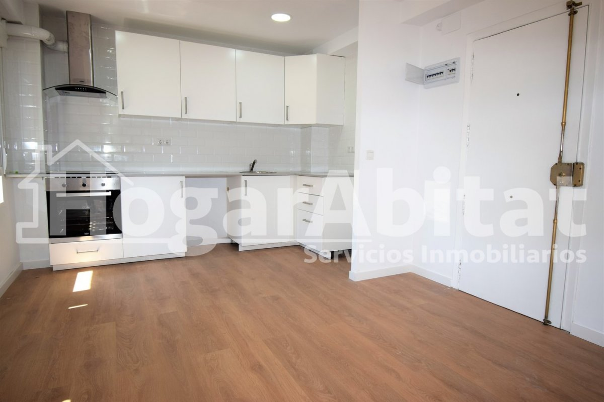 Flat for sale in Nou Moles, Valencia