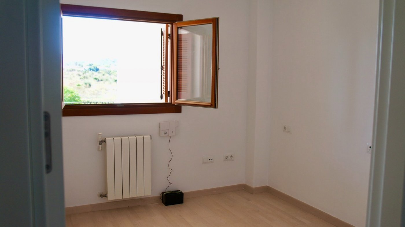 Gallery Image 17 of Fantastic investment opportunity - 35 m2 terrace with golf and mountain views - low community fees