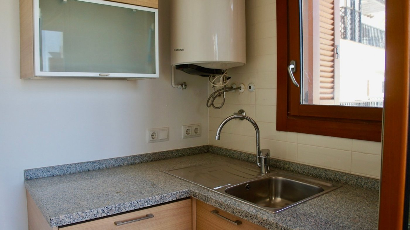 Gallery Image 10 of South facing golf and pool views, 2 bed, 1 bath low community fees.