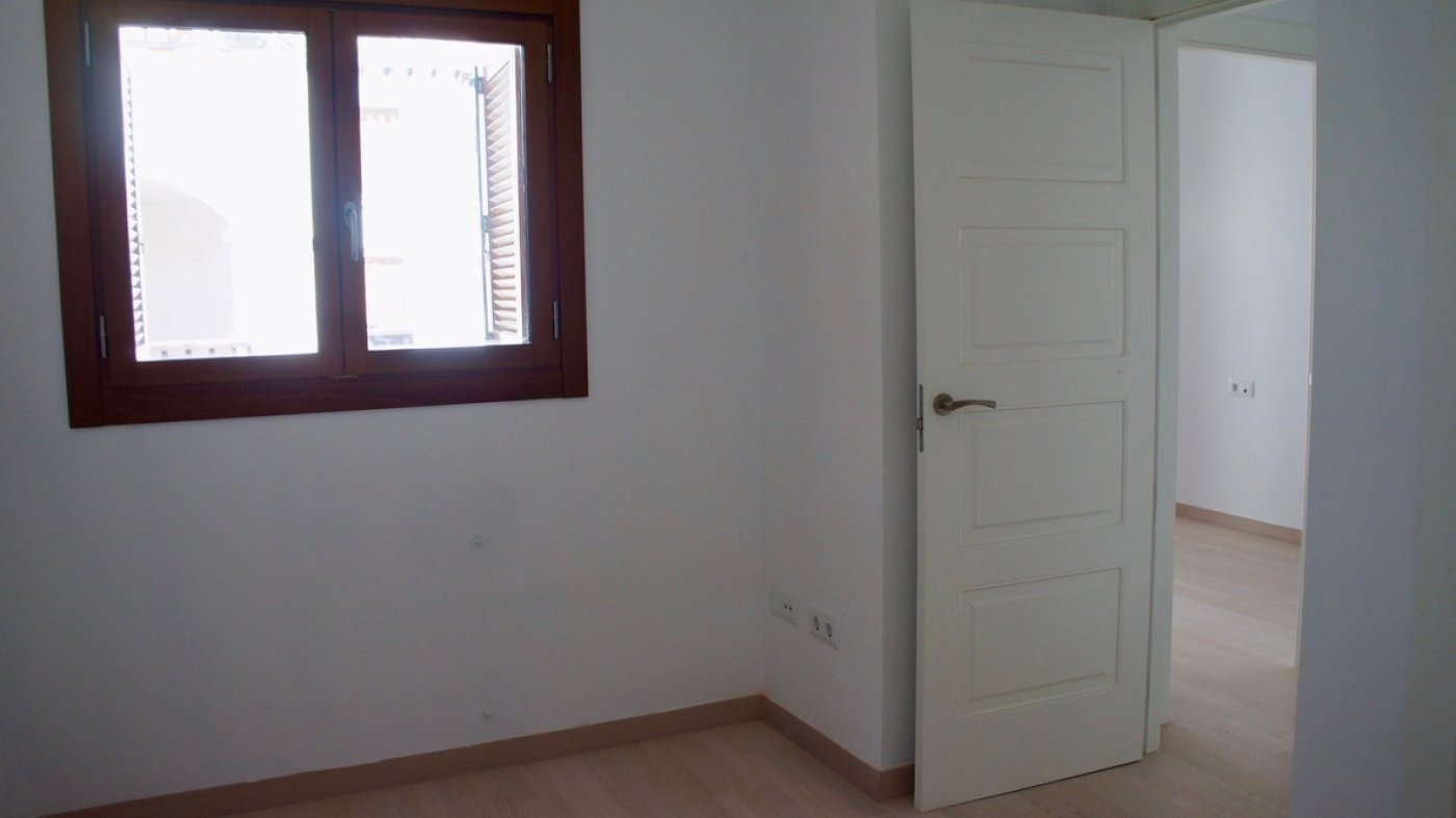 Gallery Image 13 of South facing golf and pool views, 2 bed, 1 bath low community fees.