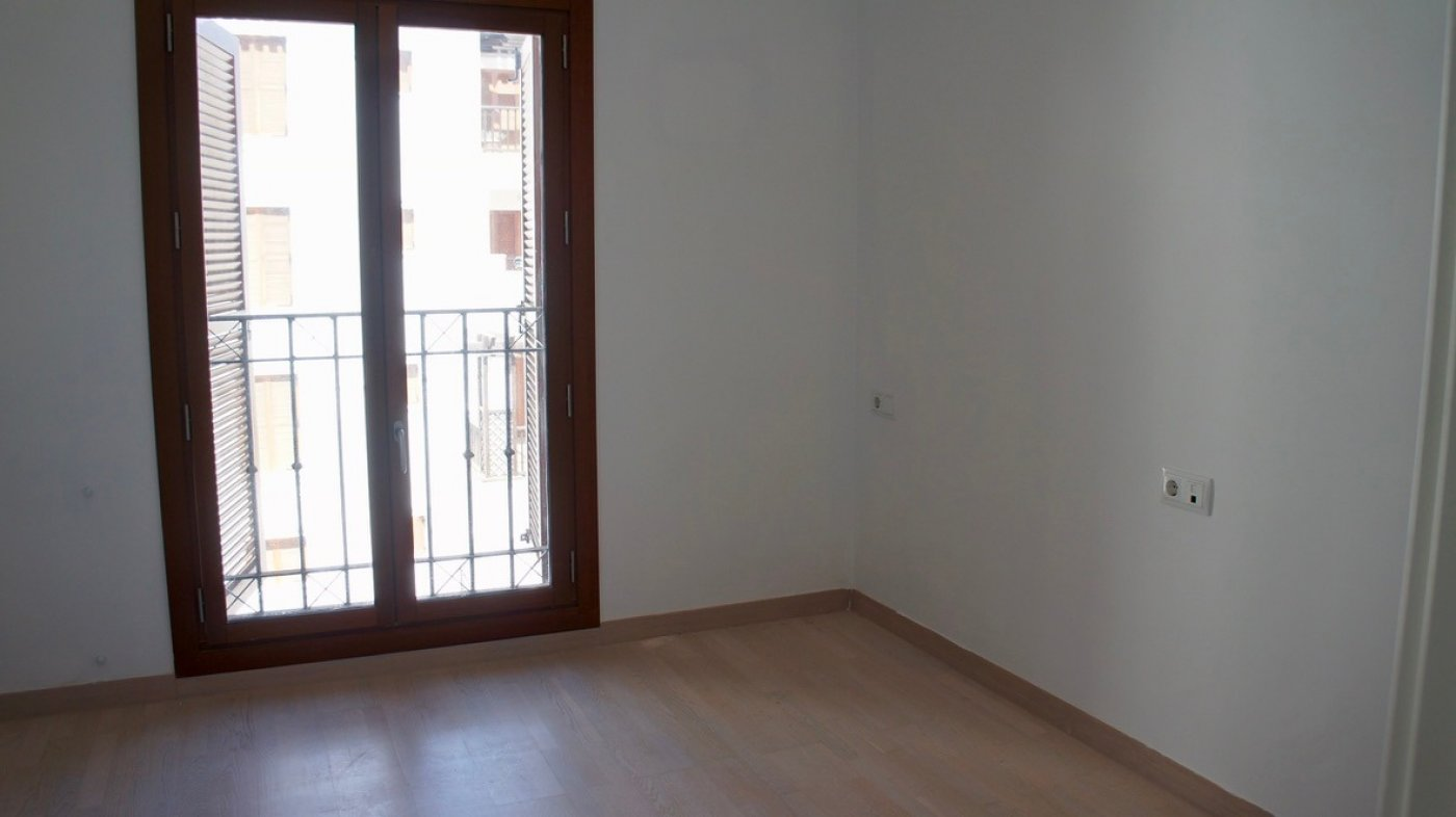 Gallery Image 15 of South facing golf and pool views, 2 bed, 1 bath low community fees.