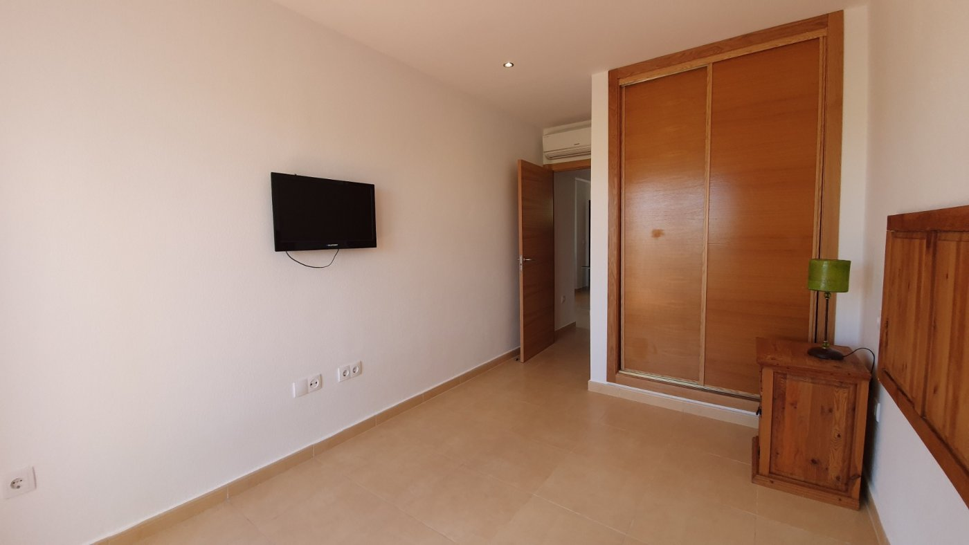 Gallery Image 17 of Se vende exquisito e inmaculado apartamento en planta baja en primera línea de golf en Condado
