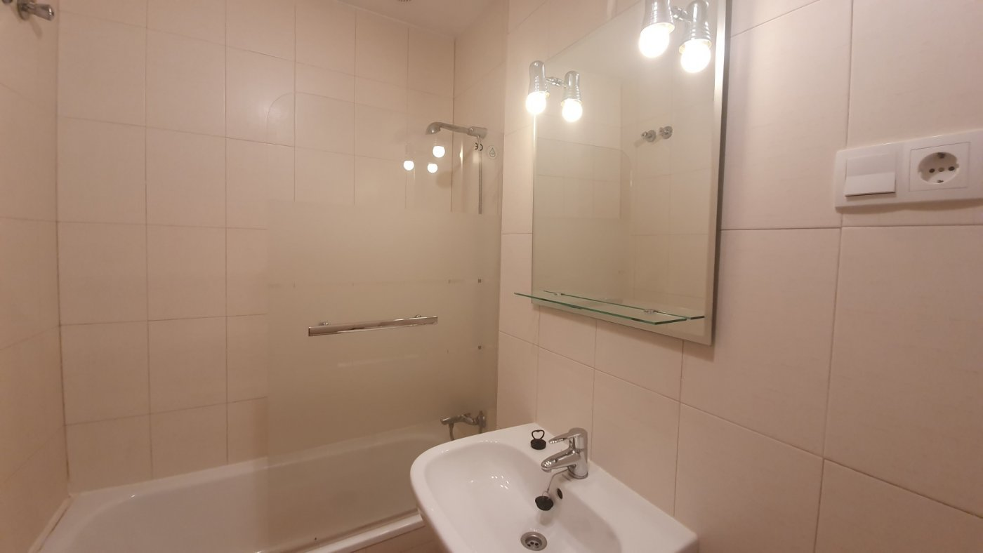 Gallery Image 19 of Key-Ready 2 BED apartment at the GOLF COURSE, SOUTH WEST