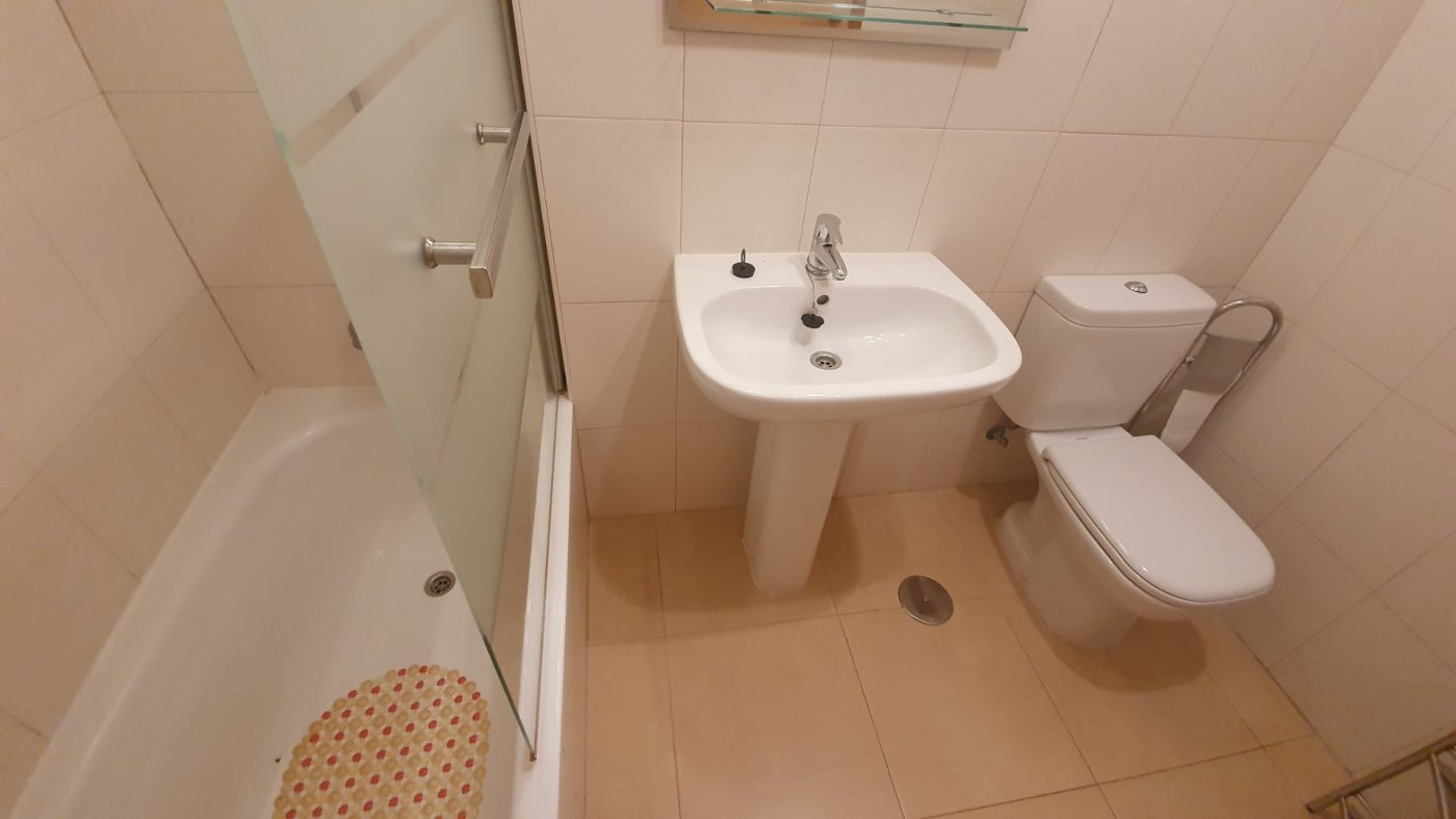 Gallery Image 32 of Key-Ready 2 BED apartment at the GOLF COURSE, SOUTH WEST