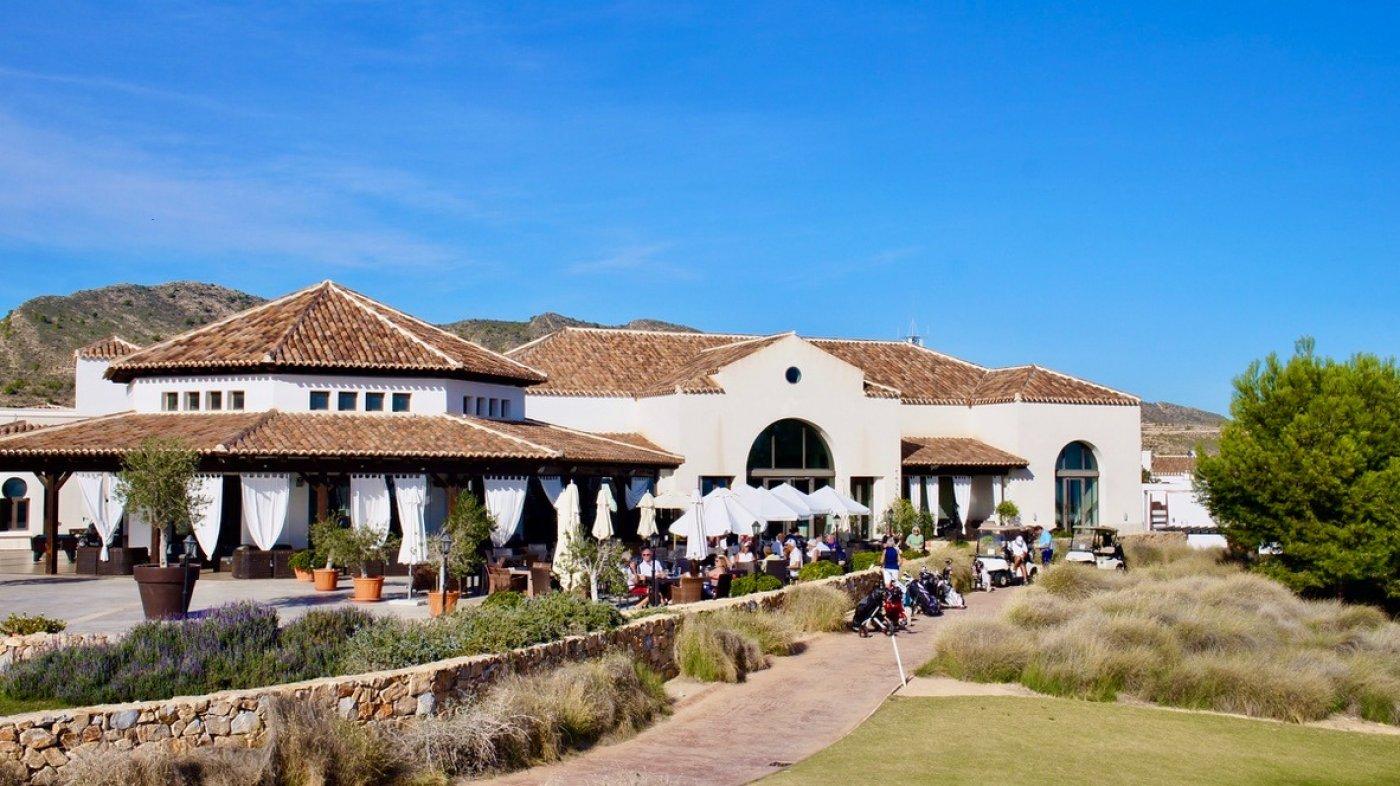 Gallery Image 23 of Se Vende Apartamento en El Valle Golf Resort, Baños Y Mendigo Con Piscina