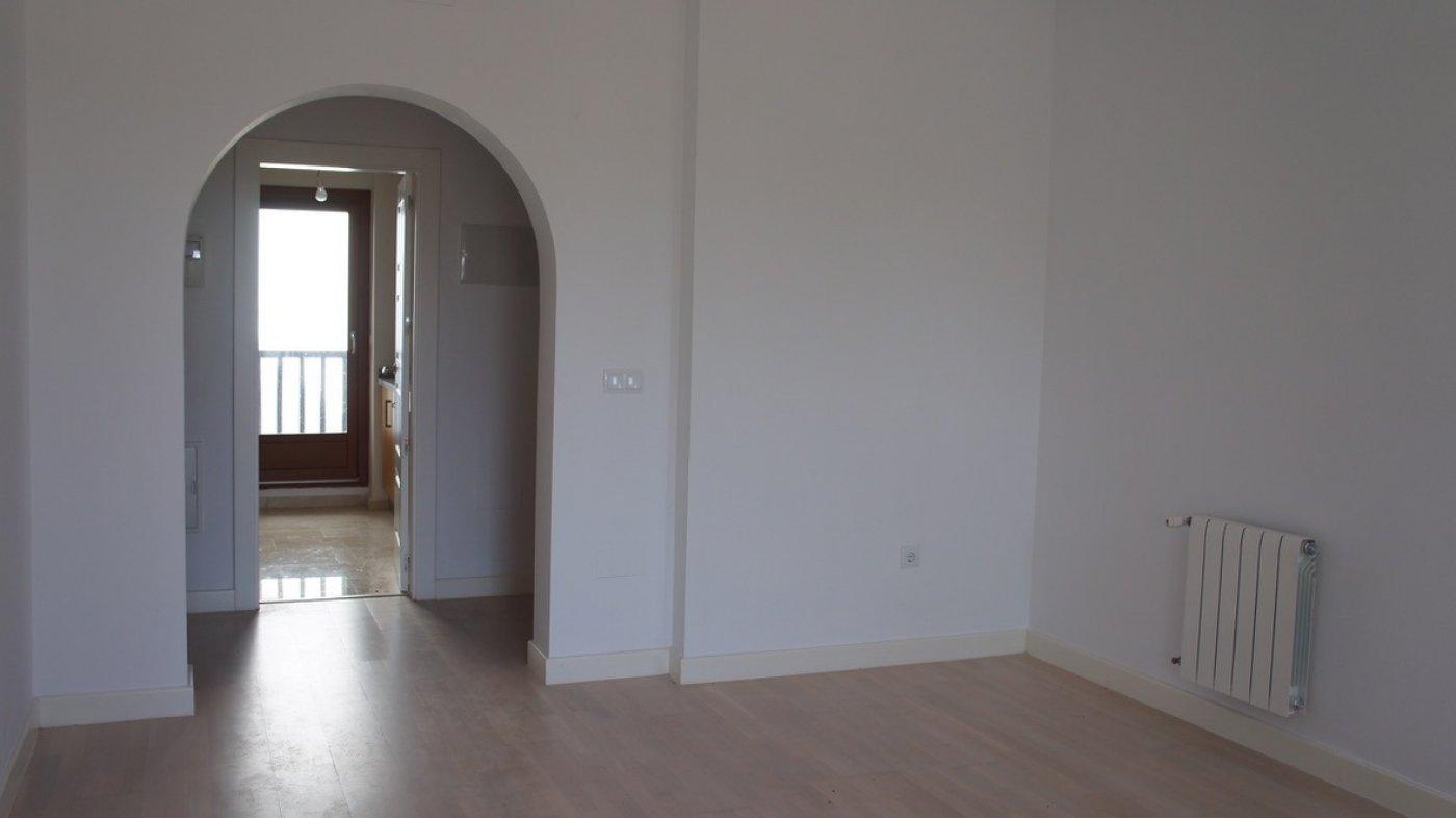Imagen de la galería 3 of Se Vende Apartamento en El Valle Golf Resort, Baños Y Mendigo Con Piscina