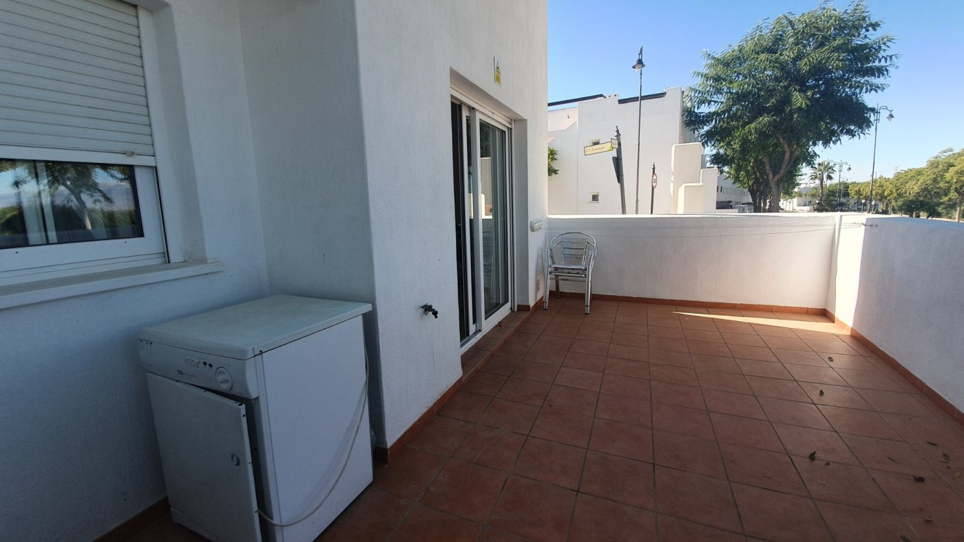 Gallery Image 11 of South facing 3 bedroom ground floor apartment on a corner plot in Jardin 2