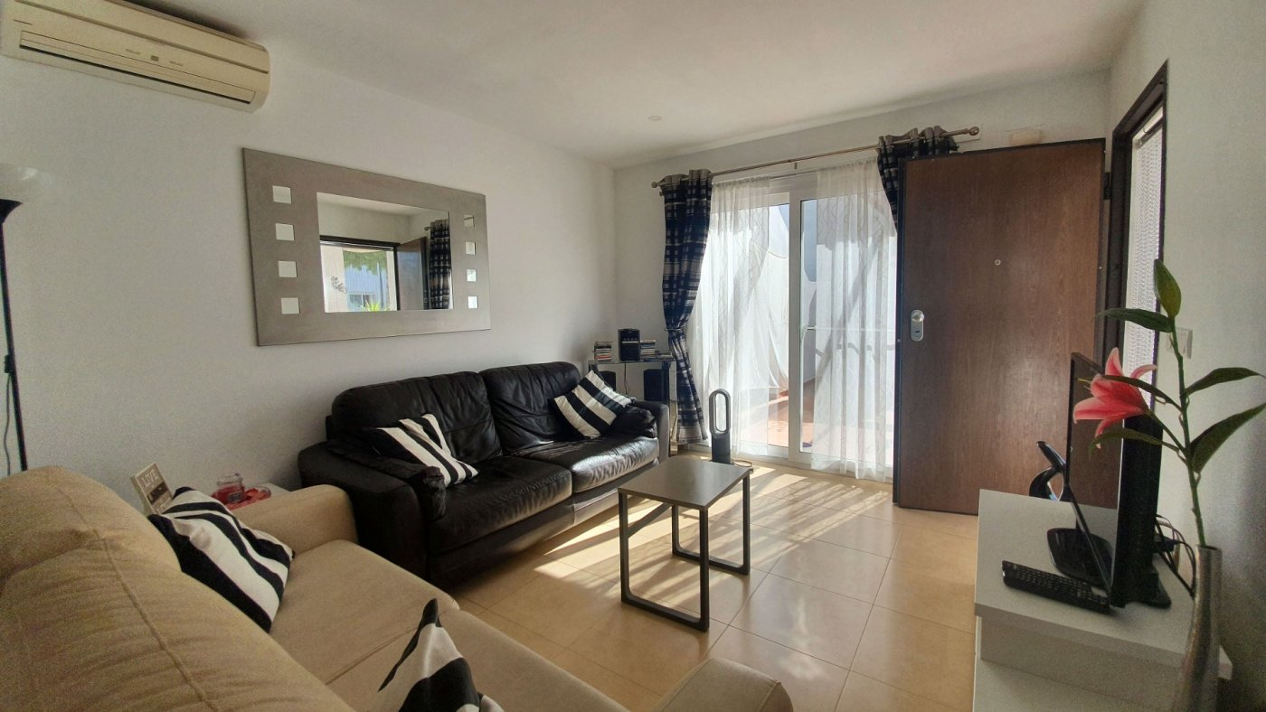 Gallery Image 1 of South facing 3 bedroom ground floor apartment on a corner plot in Jardin 2