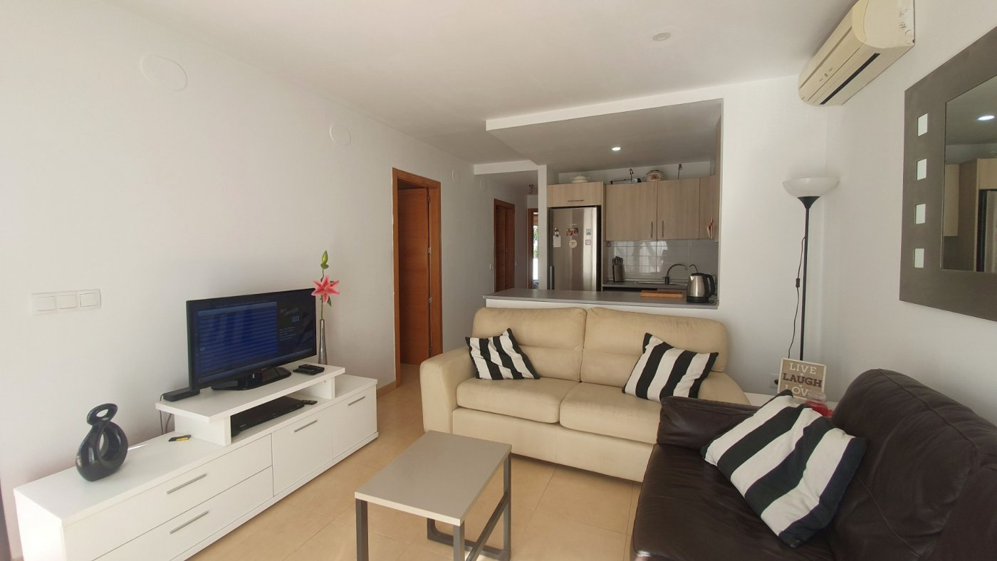 Gallery Image 4 of South facing 3 bedroom ground floor apartment on a corner plot in Jardin 2