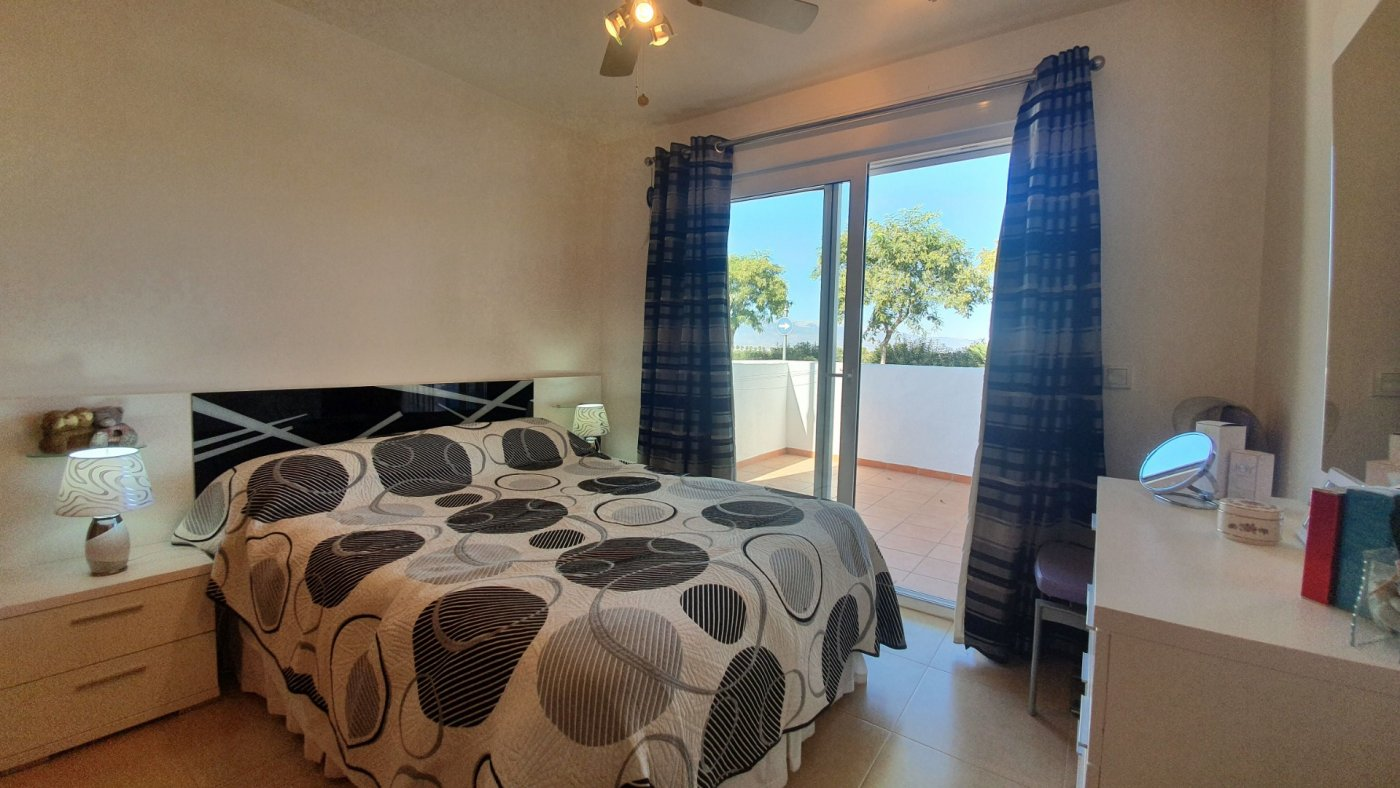 Gallery Image 6 of South facing 3 bedroom ground floor apartment on a corner plot in Jardin 2
