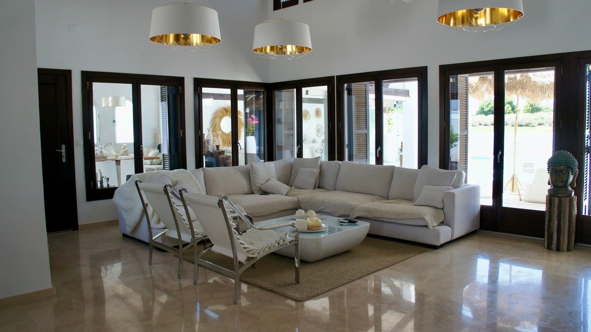 Gallery Image 10 of Luxurious sunny frontline villa with fantastic views and private pool on El Valle Golf Resort
