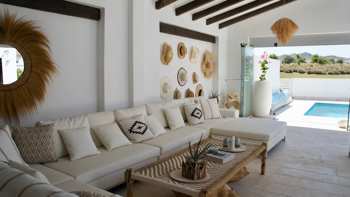Gallery Image 29 of Luxurious sunny frontline villa with fantastic views and private pool on El Valle Golf Resort