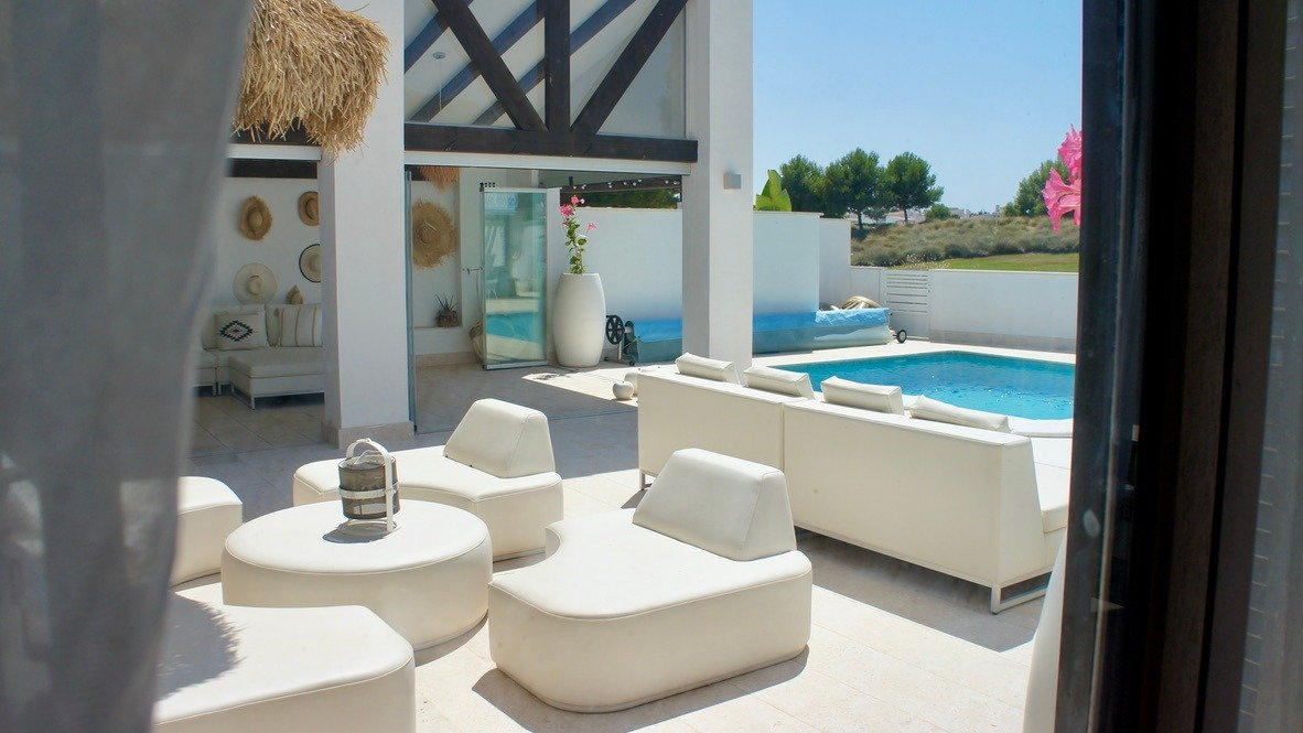 Gallery Image 2 of Luxurious sunny frontline villa with fantastic views and private pool on El Valle Golf Resort