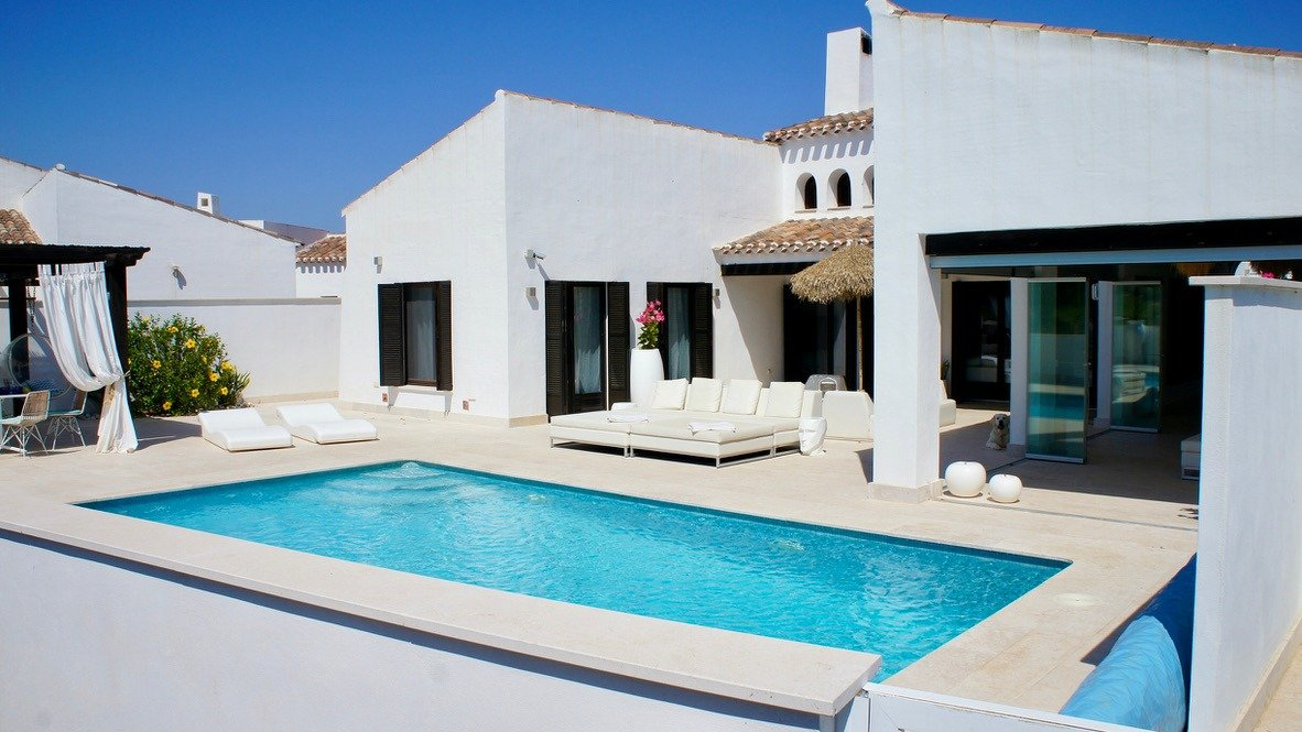 Gallery Image 32 of Luxurious sunny frontline villa with fantastic views and private pool on El Valle Golf Resort