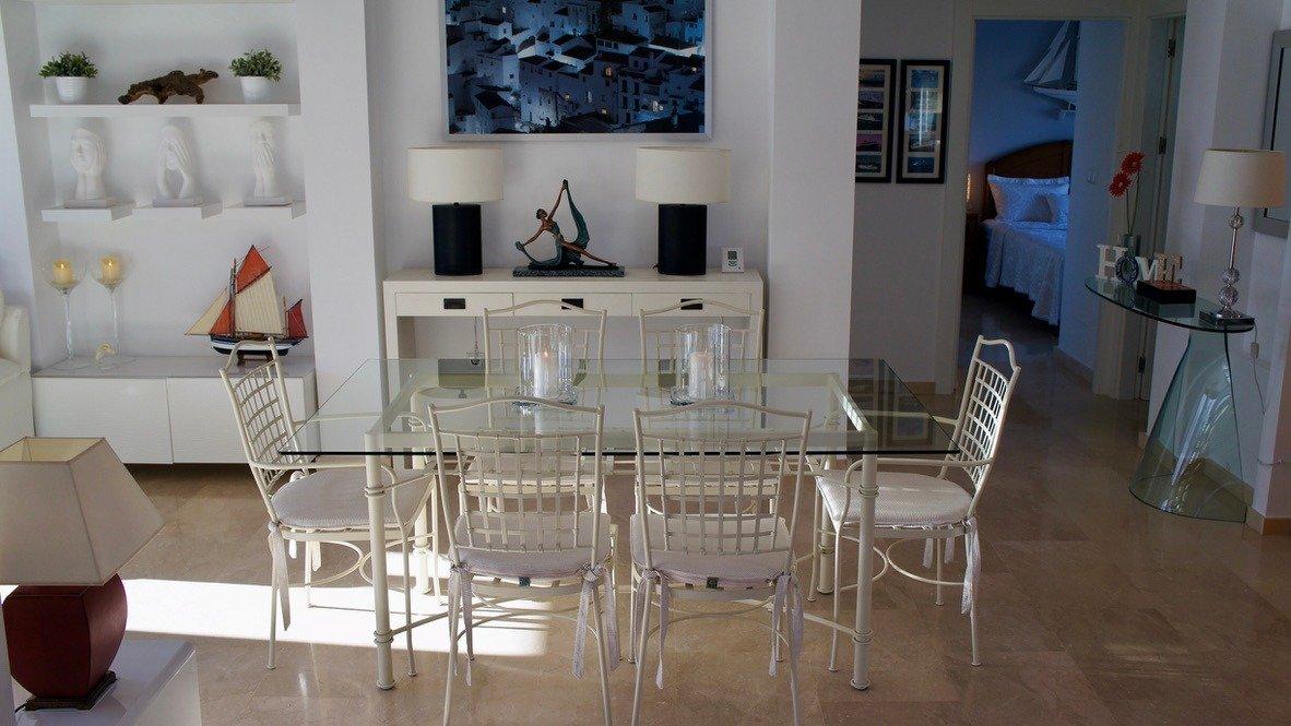 Galleribillede 12 of Super velholdt 5 værelses (4 soveværelser) villa med egen helt ugenert pool på El Valle Golf Resort