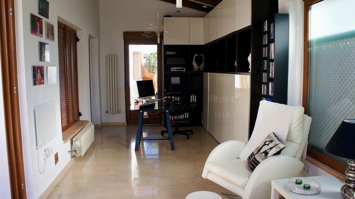 Galleribillede 15 of Super velholdt 5 værelses (4 soveværelser) villa med egen helt ugenert pool på El Valle Golf Resort
