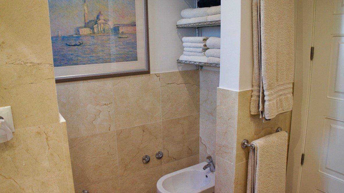 Galleribillede 32 of Super velholdt 5 værelses (4 soveværelser) villa med egen helt ugenert pool på El Valle Golf Resort