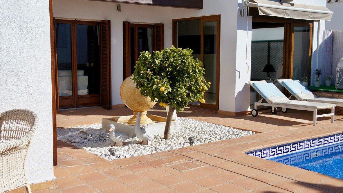 Galleribillede 36 of Super velholdt 5 værelses (4 soveværelser) villa med egen helt ugenert pool på El Valle Golf Resort