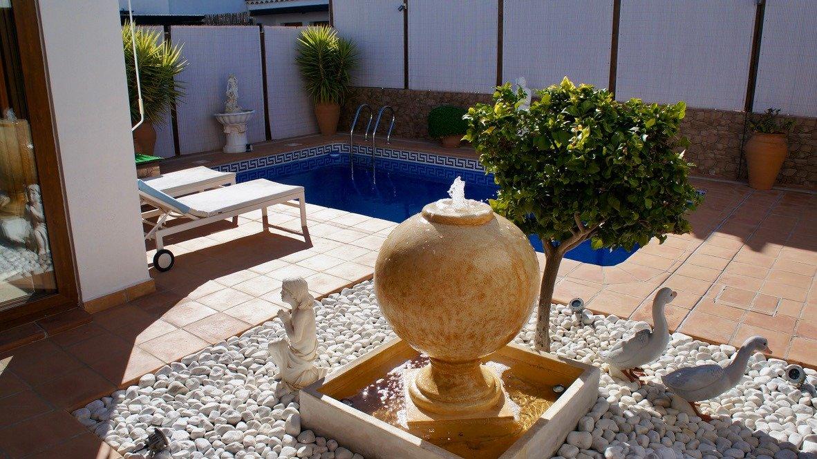 Galleribillede 37 of Super velholdt 5 værelses (4 soveværelser) villa med egen helt ugenert pool på El Valle Golf Resort