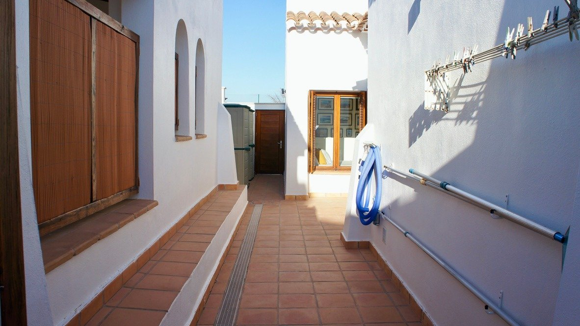 Galleribillede 39 of Super velholdt 5 værelses (4 soveværelser) villa med egen helt ugenert pool på El Valle Golf Resort