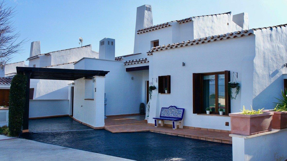 Galleribillede 41 of Super velholdt 5 værelses (4 soveværelser) villa med egen helt ugenert pool på El Valle Golf Resort