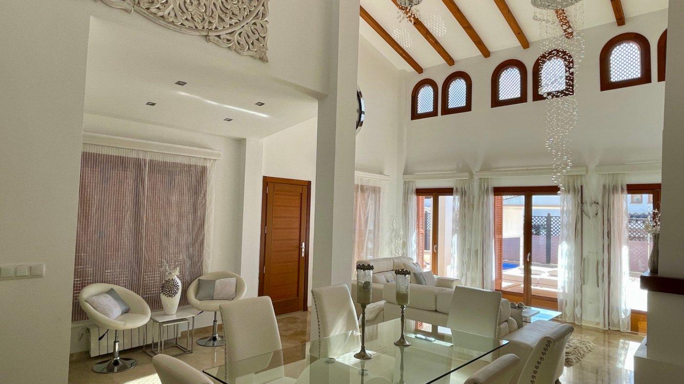 Gallery Image 10 of Se Vende Villa en El Valle Golf Resort, Baños Y Mendigo Con Piscina