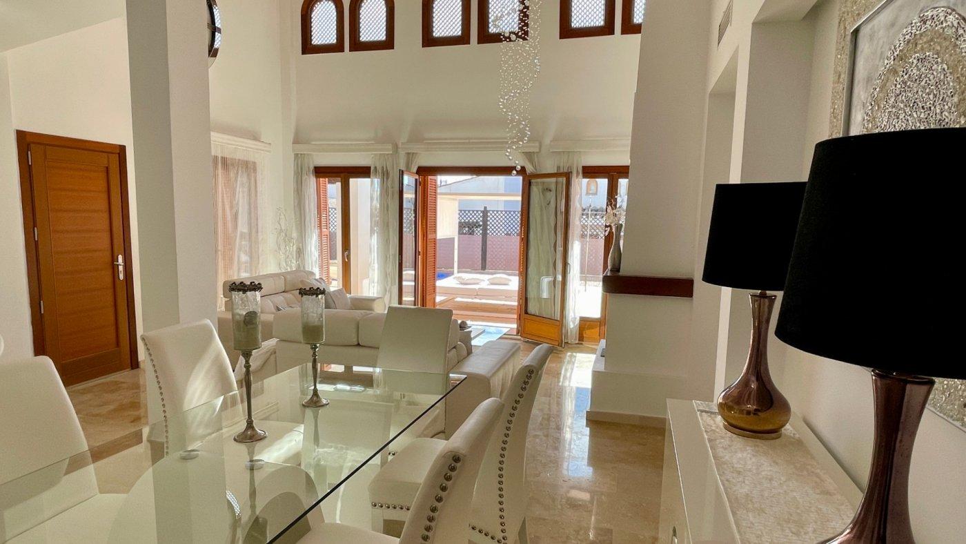Gallery Image 12 of Se Vende Villa en El Valle Golf Resort, Baños Y Mendigo Con Piscina