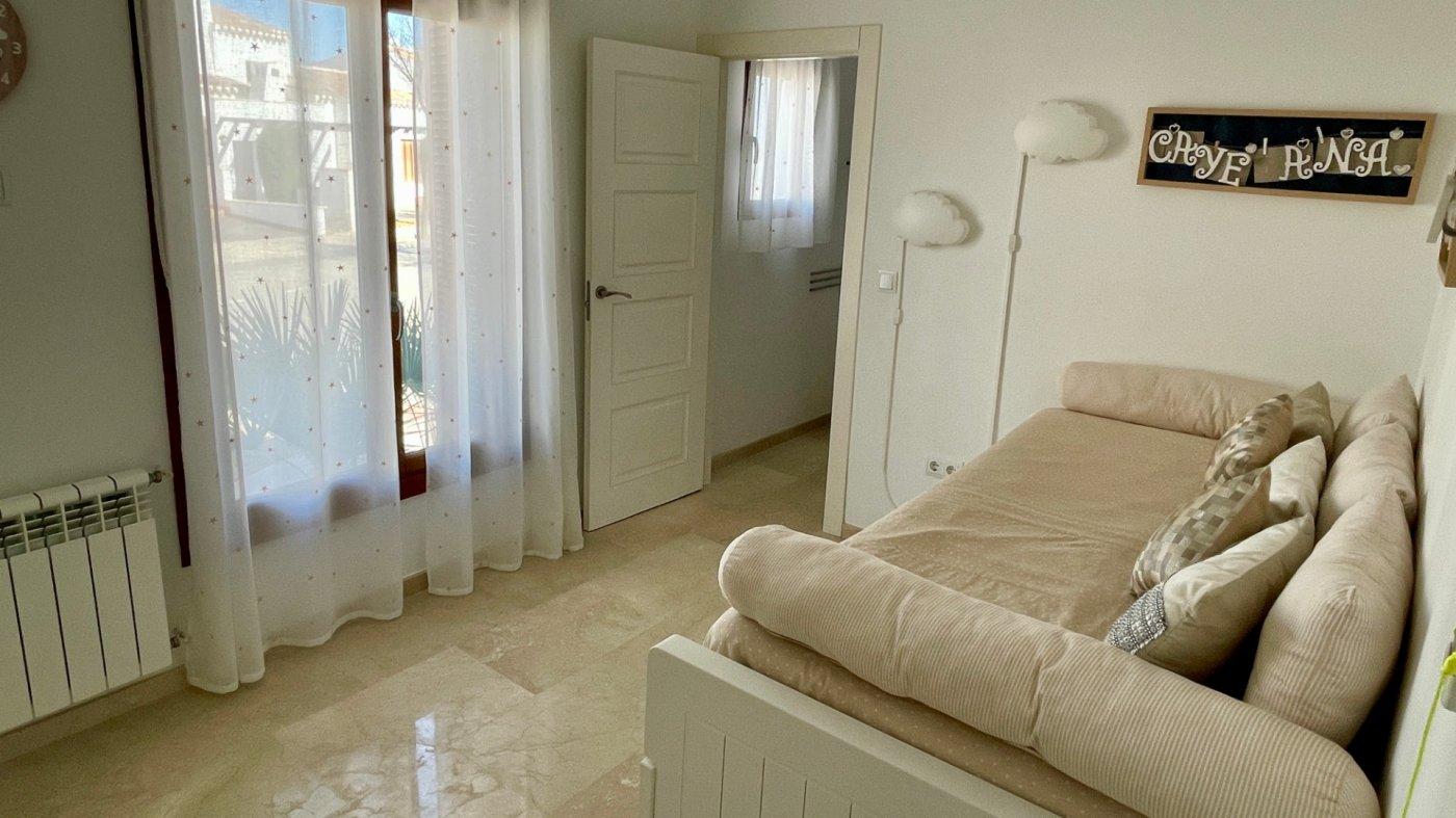 Gallery Image 20 of Se Vende Villa en El Valle Golf Resort, Baños Y Mendigo Con Piscina