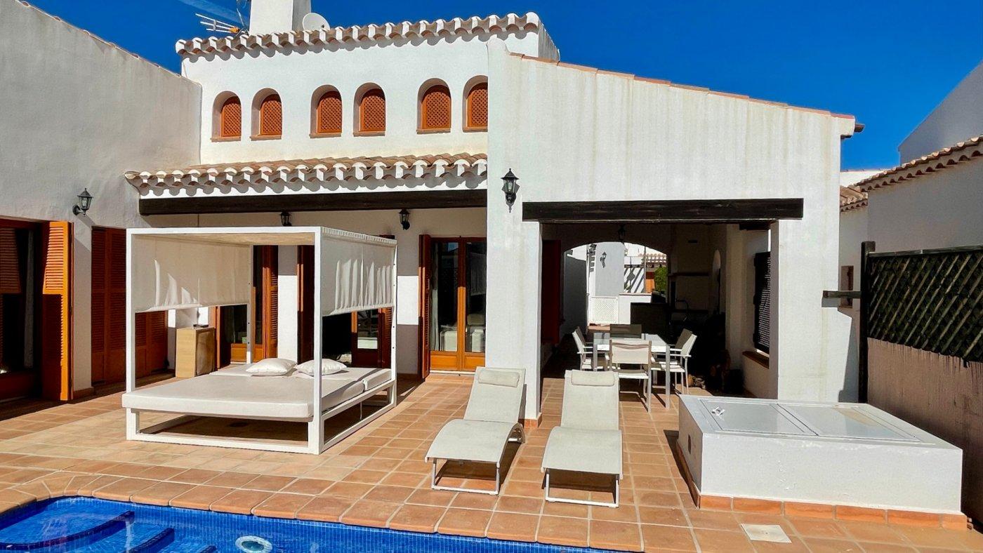 Gallery Image 37 of Se Vende Villa en El Valle Golf Resort, Baños Y Mendigo Con Piscina