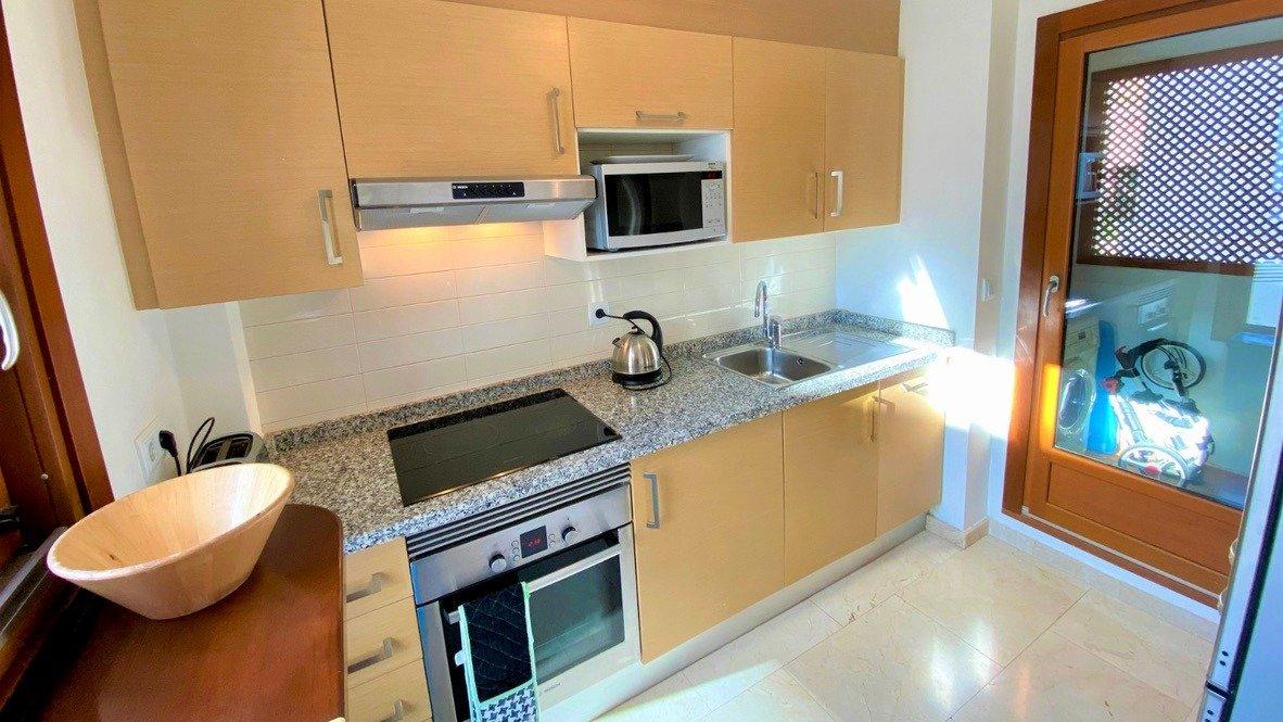 Gallery Image 12 of Se Vende Apartamento en El Valle Golf Resort, Baños Y Mendigo Con Piscina