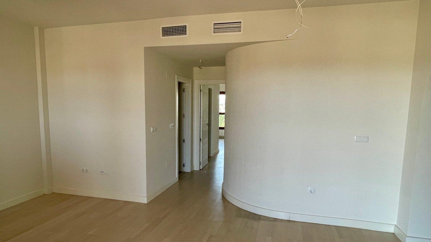 Imagen de la galería 4 of Se Vende Apartamento en El Valle Golf Resort, Baños Y Mendigo Con Piscina