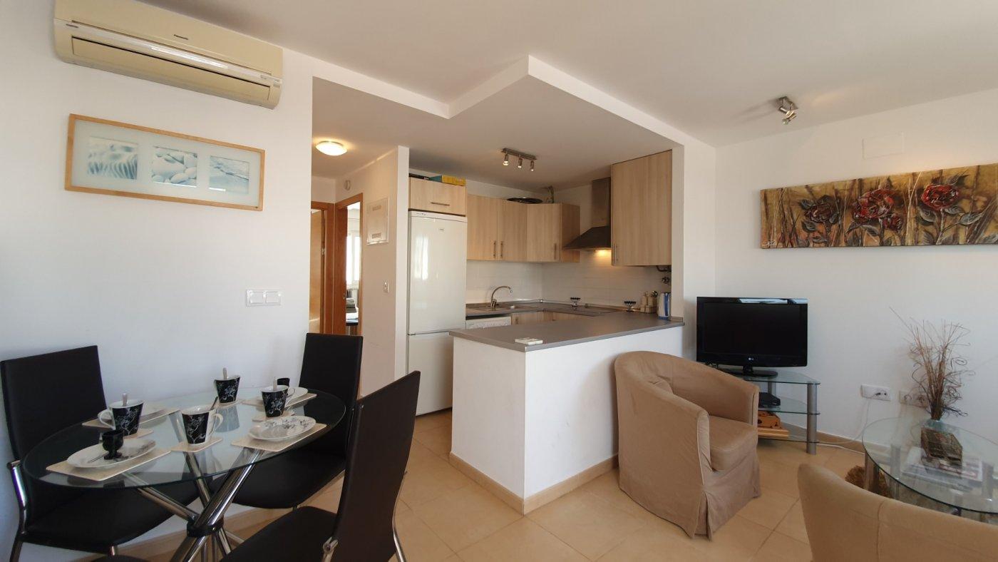 Imagen de la galería 1 of Apartamento de 2 dormitorios con terraza en la azotea, con vista a la piscina y cerca de todo