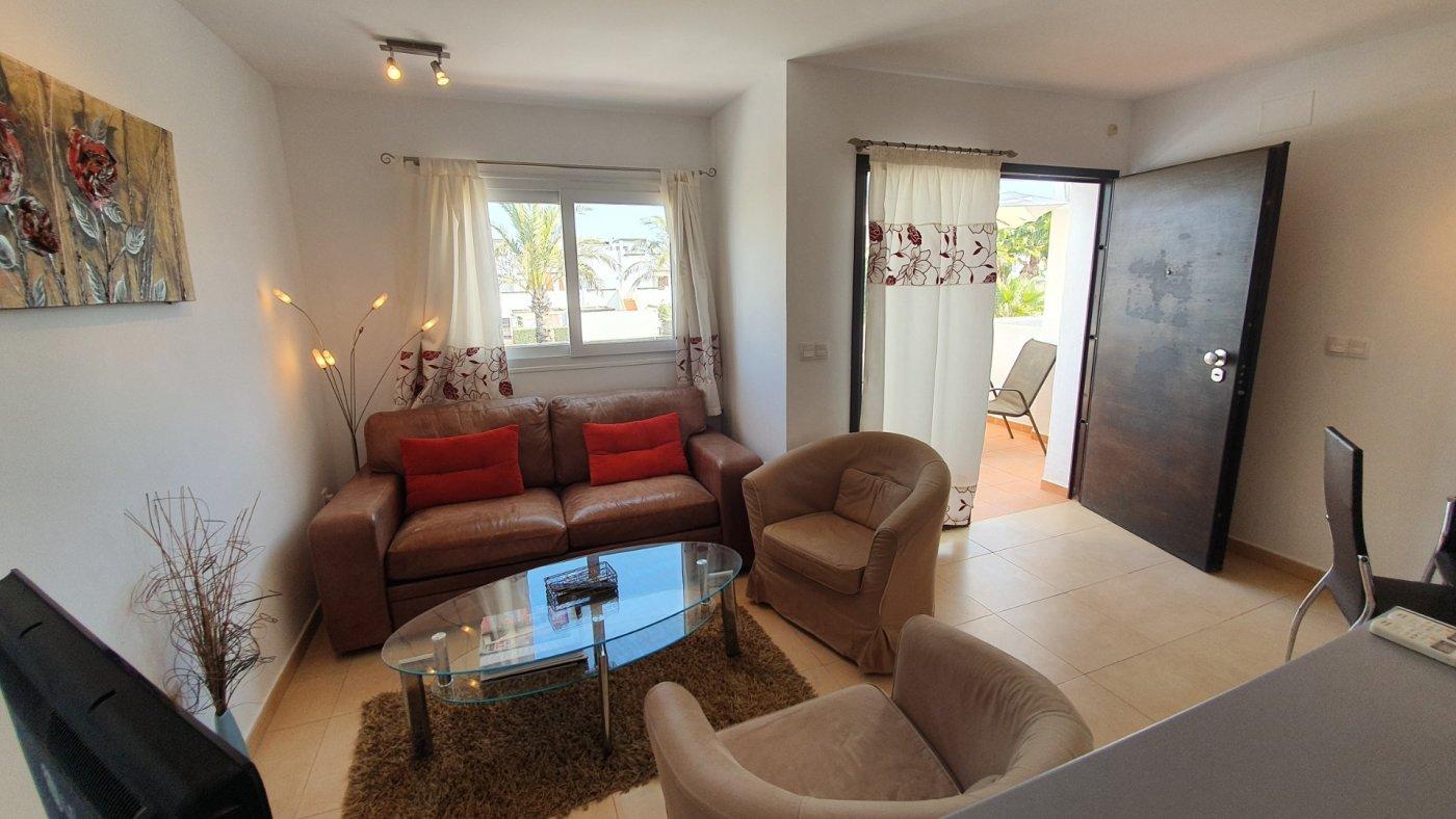Imagen de la galería 2 of Apartamento de 2 dormitorios con terraza en la azotea, con vista a la piscina y cerca de todo